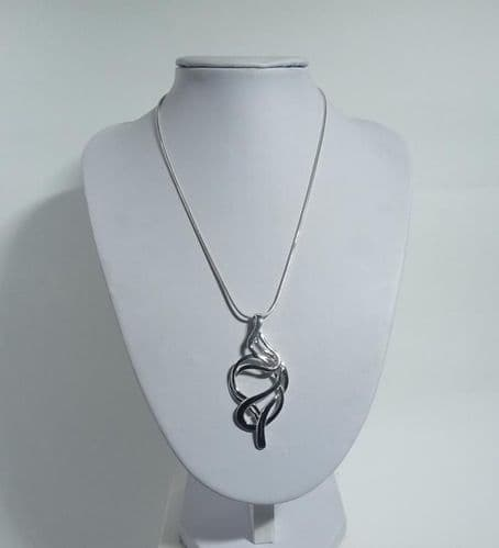 925 Sterling Silver Hand-Crafted Pendant & Chain